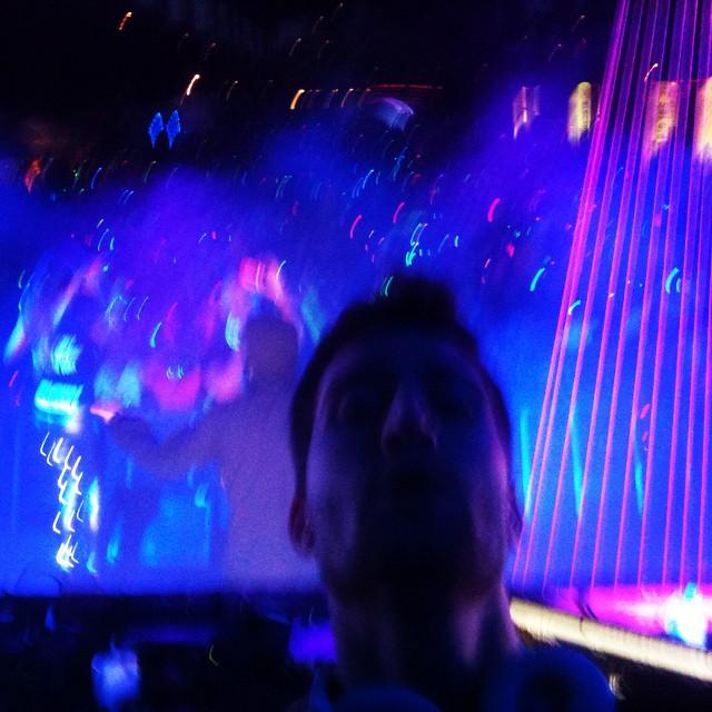 selfie di alessandro costa durante la serata dell electric run di torino